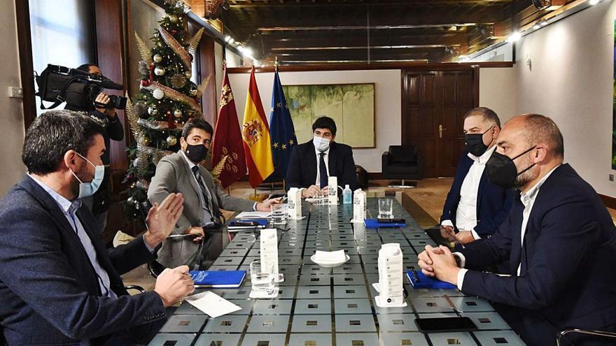 Murcia y Alicante crean un frente común en defensa del Tajo-Segura