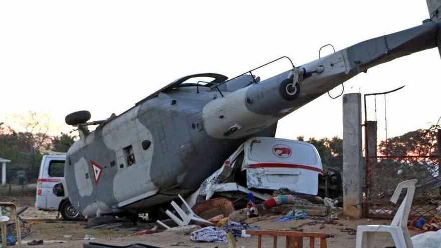 Trece muertos al estrellarse un helicóptero que evaluaba los daños del terremoto en México