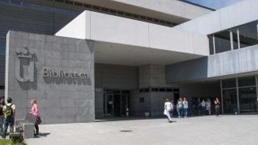 La Universidad cierra el Instituto de Derecho Público