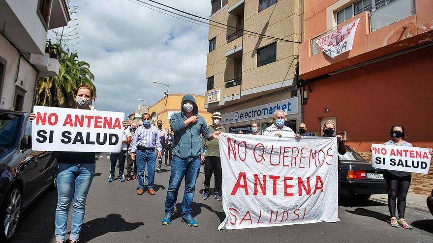 Los vecinos del Lomo de los Frailes rechazan una antena en el barrio