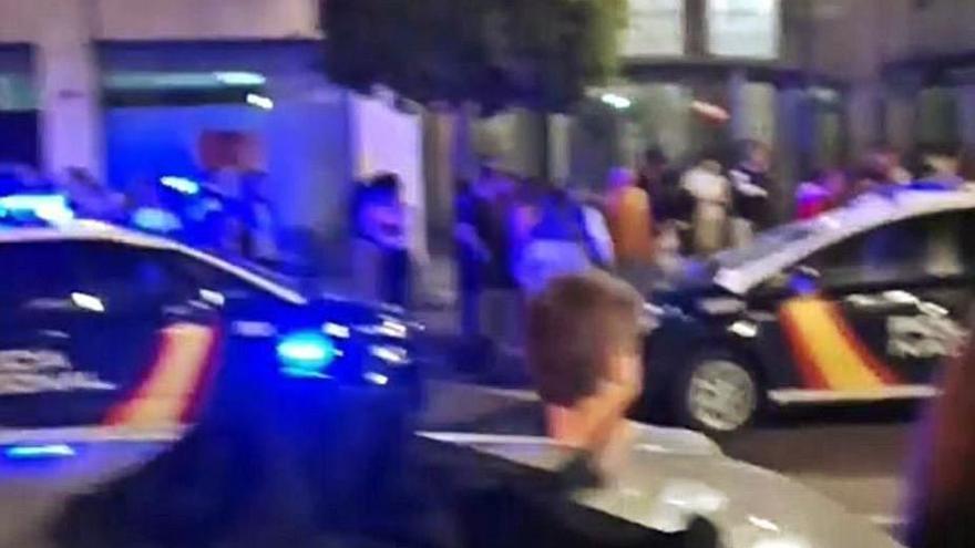 Una pelea por un reservado en Fomento acaba con un herido en la cara y el cuello