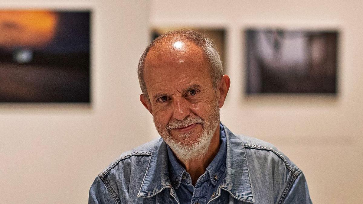 El fotógrafo madrileño, José Manuel Navia, en el Museo Etnográfico de Castilla y León.