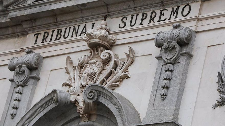 """El TS archiva la querella de IU contra Juan Carlos I por basarse en un """"relato periodístico"""""""