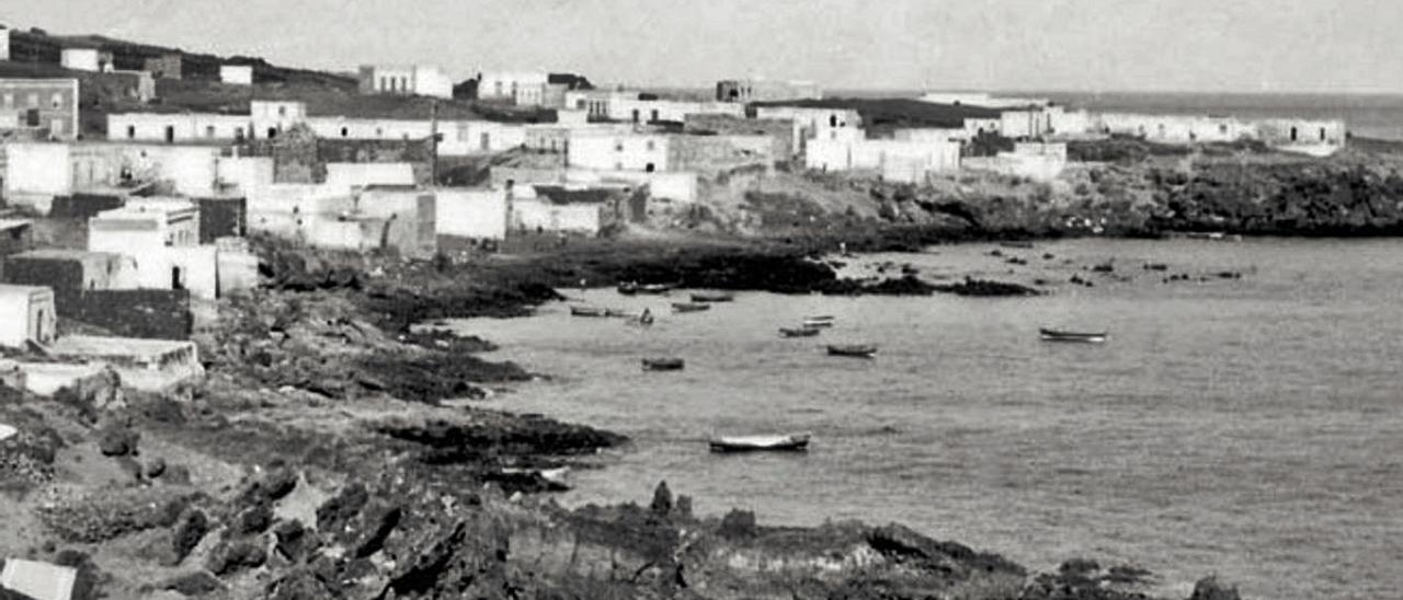 Vista de La Tiñosa desde El Risco, en los años 60 del siglo pasado.
