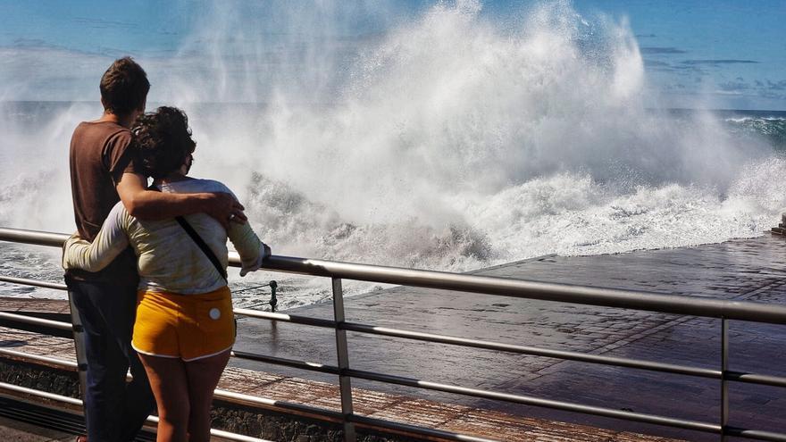 Canarias, en aviso amarillo por fuerte oleaje el próximo sábado