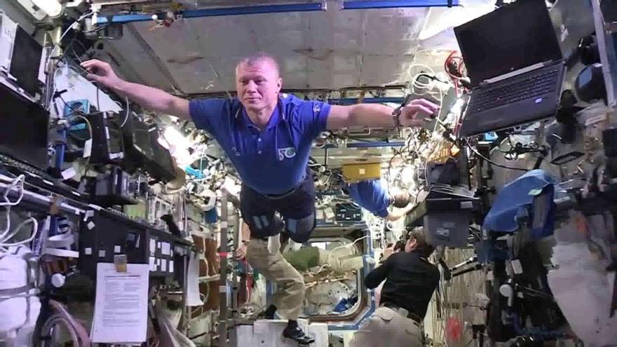 El 'mannequin challenge' llega al espacio sideral