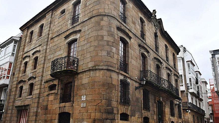 Los Franco tendrán que abrir a visitas del público la casa Cornide de A Coruña