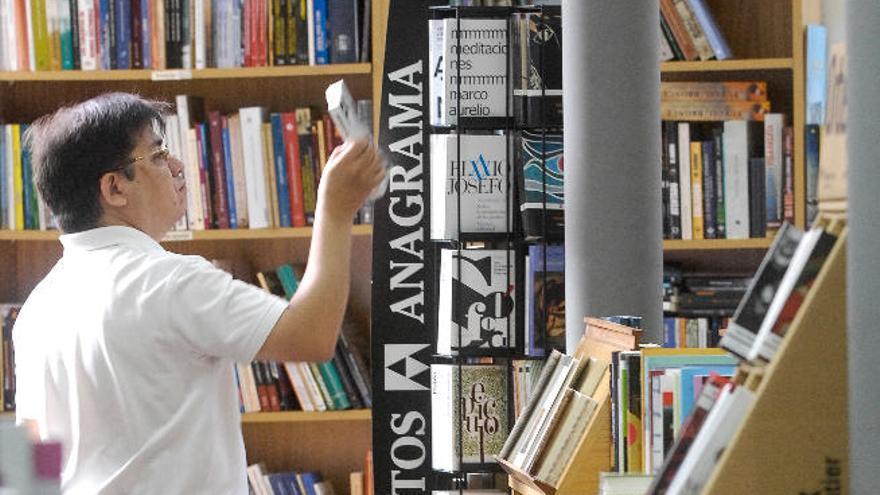 Canarias prefiere leer en papel