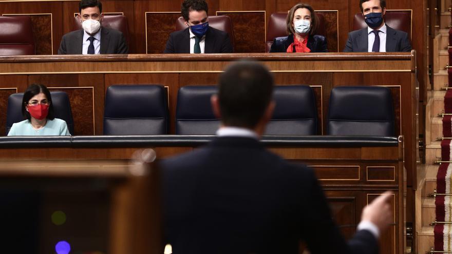 Sánchez y Casado 'inauguran' la campaña de Madrid: cruce de acusaciones y augurios arriesgados