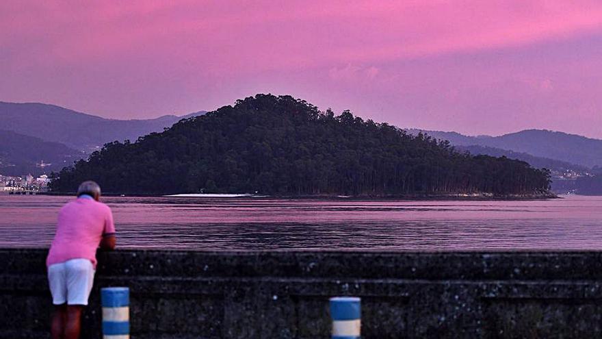 Poio da un paso más para para asumir la transferencia de la Illa de Tambo
