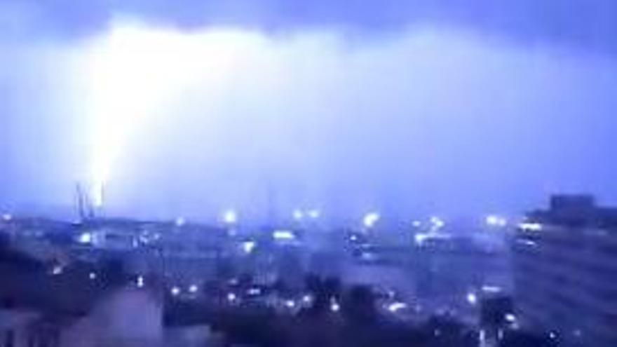 Mallorca sigue en alerta después de una noche de tormentas