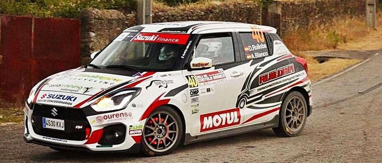 El Suzuki Swift de Diego Ruiloba, en Portugal.  