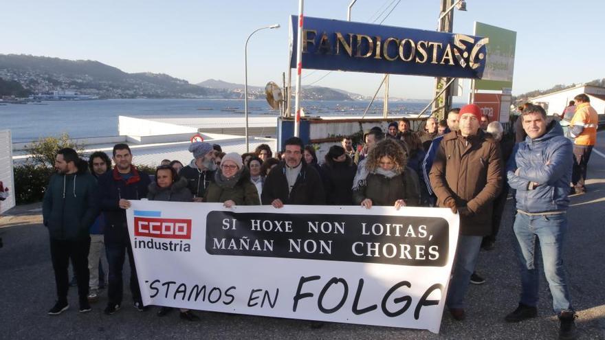 La plantilla de Fandicosta suspende la huelga tras negociar con la empresa