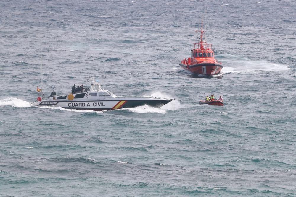 Las imágenes del accidente de avión en La Manga en el que ha muerto un piloto de la Patrulla Águila