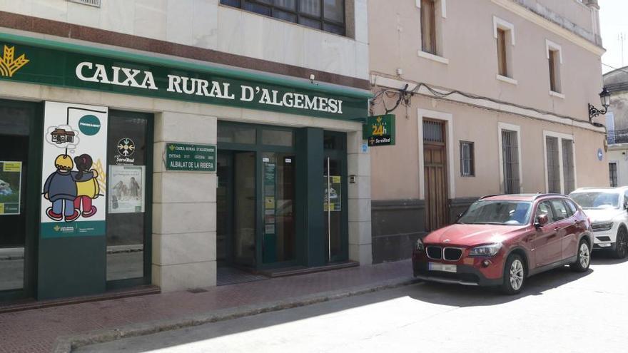 Ceuta, Melilla y Cádiz, a la cabeza en la lista de ciudades con más clientes por sucursal bancaria