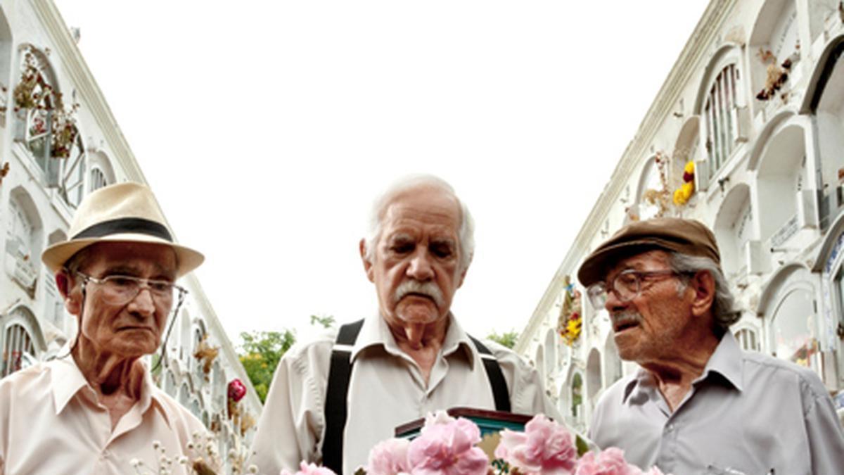 Fotograma de la película  'Viejos amigos'.