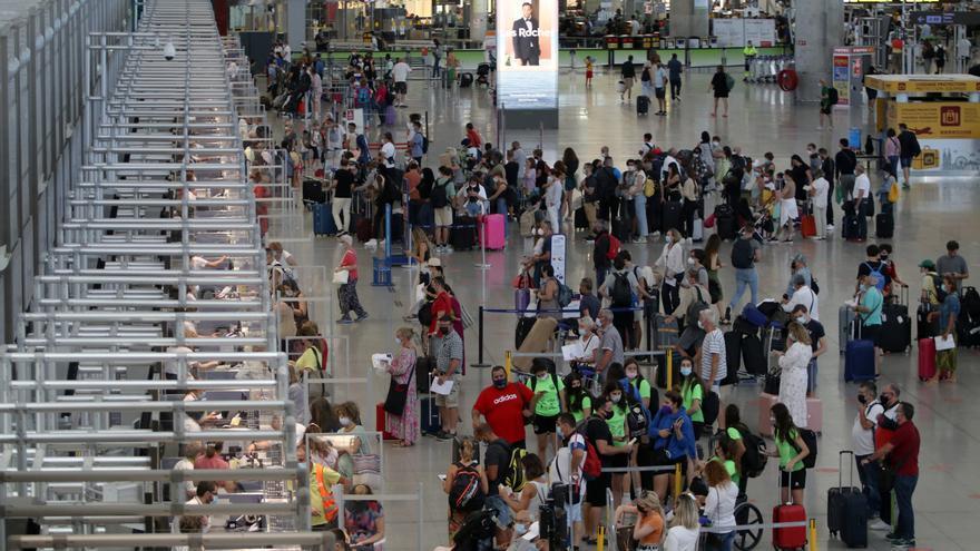 Málaga afronta un verano  clave para la recuperación con prudencia y esperanza
