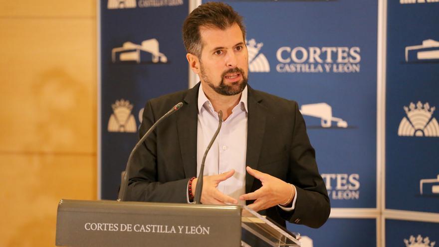 La Junta reta al PSOE a un debate público sobre el modelo sanitario de la región