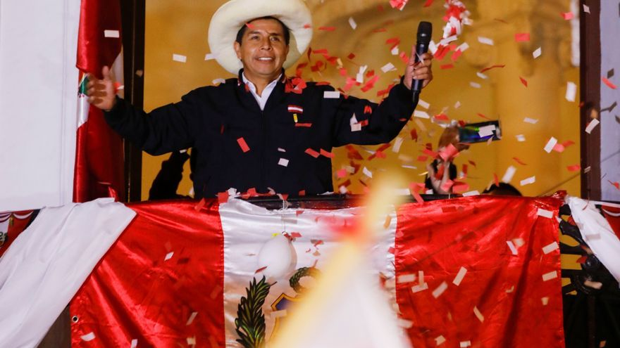 Castillo se acerca a la victoria en Perú