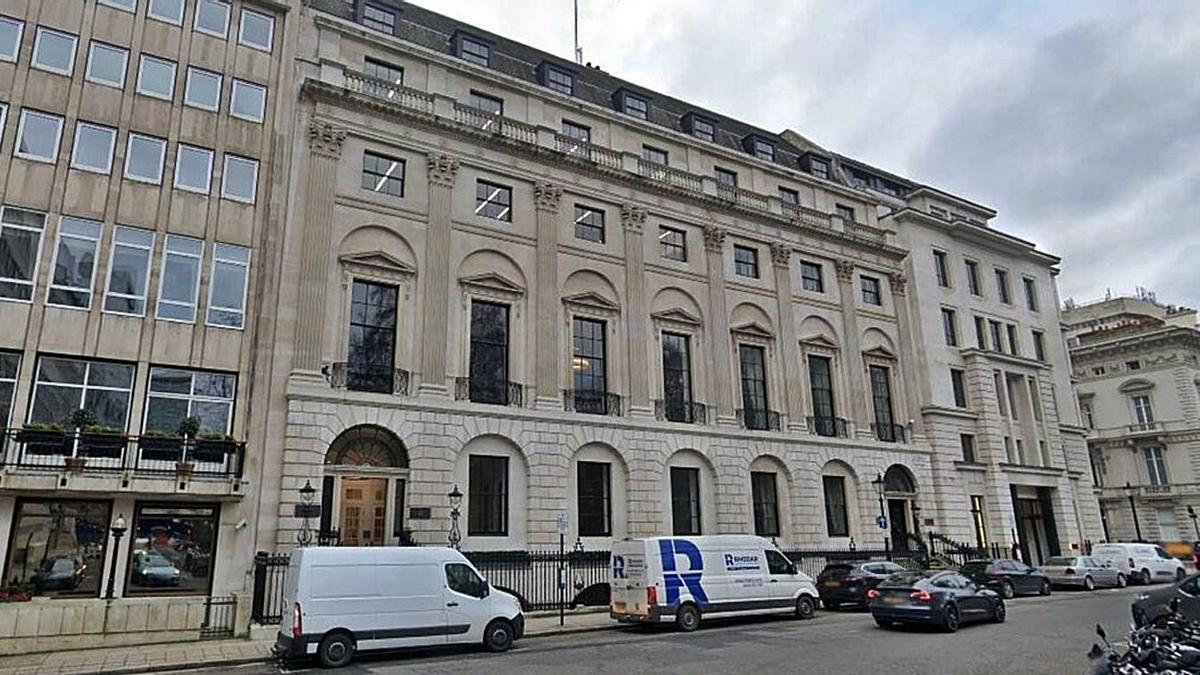 Sede de la gestora de capital privado Cinven, en el número 21 de la plaza St. James en Londres. |   // L.O.