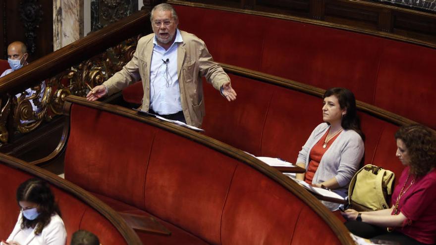 La oposición recrimina al Rialto que contrate otro alto cargo en plena crisis