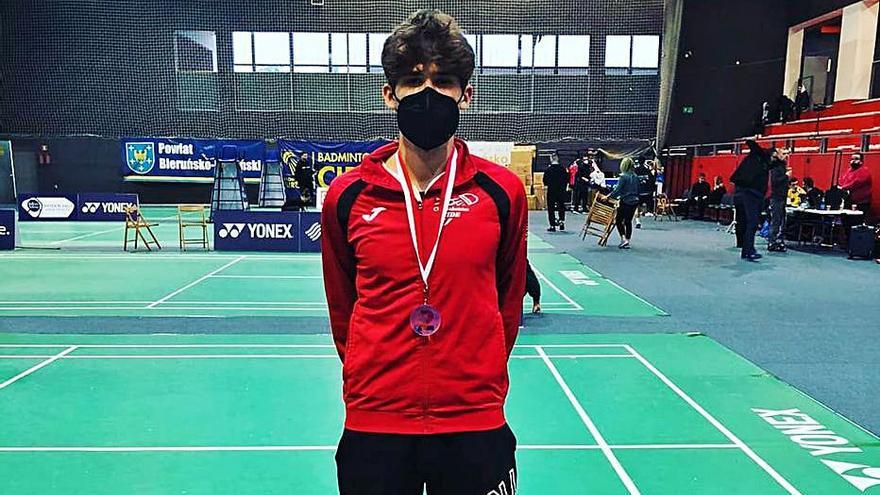 Iago Martínez se cuelga la plata en dobles en el Internacional de Polonia de bádminton