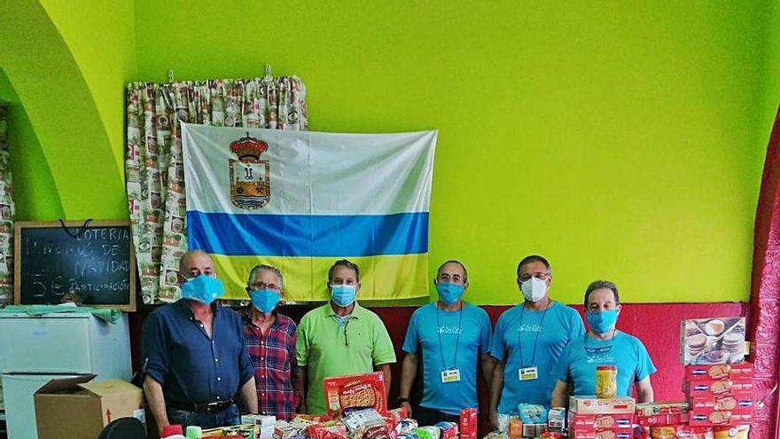 La Asociación San Pedro dona 600 kilos de alimentos al comedor solidario de Amicos