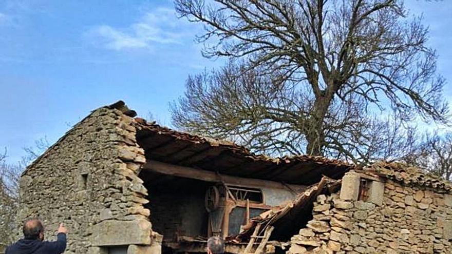 El Ayuntamiento estudia arreglar el molino de Villamor de Cadozos
