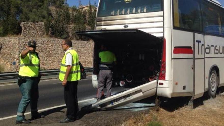 Brand in Schulbus auf der Inca-Autobahn
