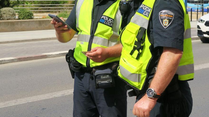 Denunciados en Ibiza por conducir drogados un autobús de línea y un camión