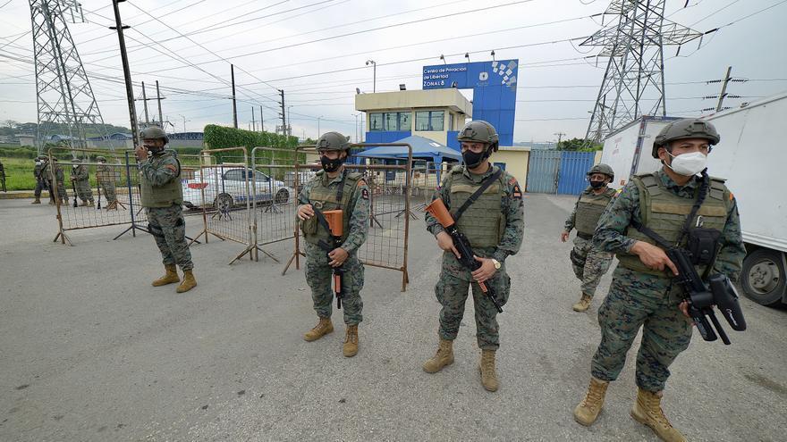 Al menos 24 fallecidos y 49 heridos en una revuelta en una prisión ecuatoriana