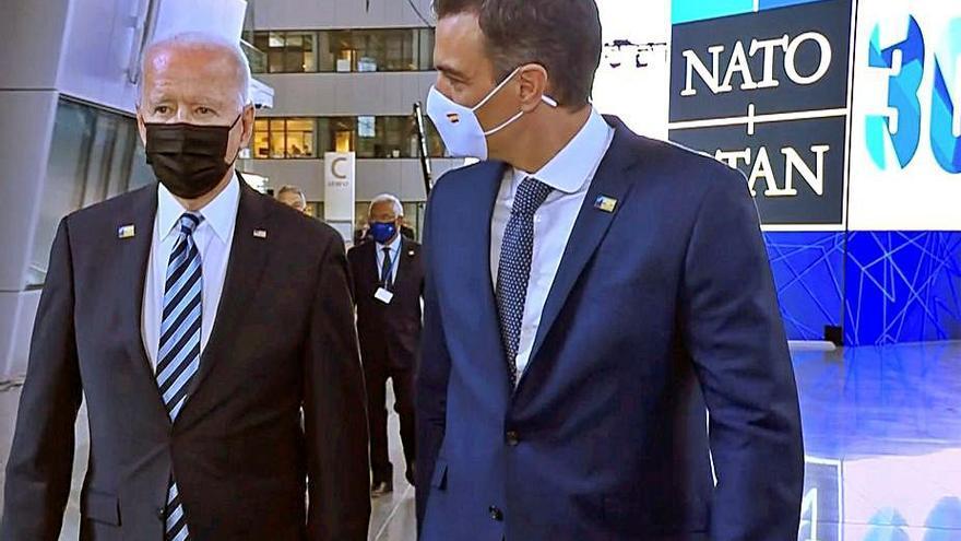Sánchez i Biden mantenen un contacte de trenta segons