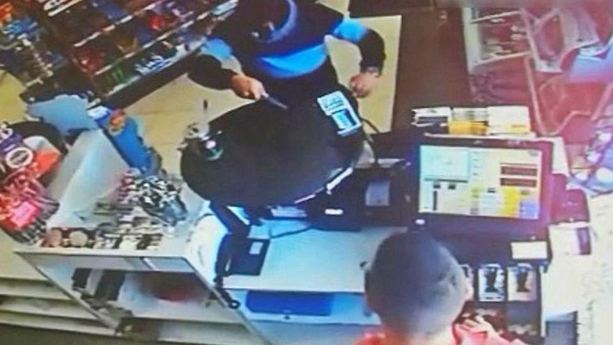 Cinco años de cárcel por atracar dos gasolineras a punta de cuchillo en un día en Mallorca
