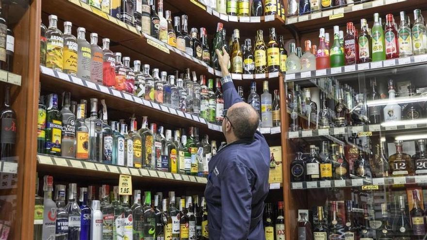 Los supermercados y comercios piden que se amplíe el horario de venta de bebidas alcohólicas