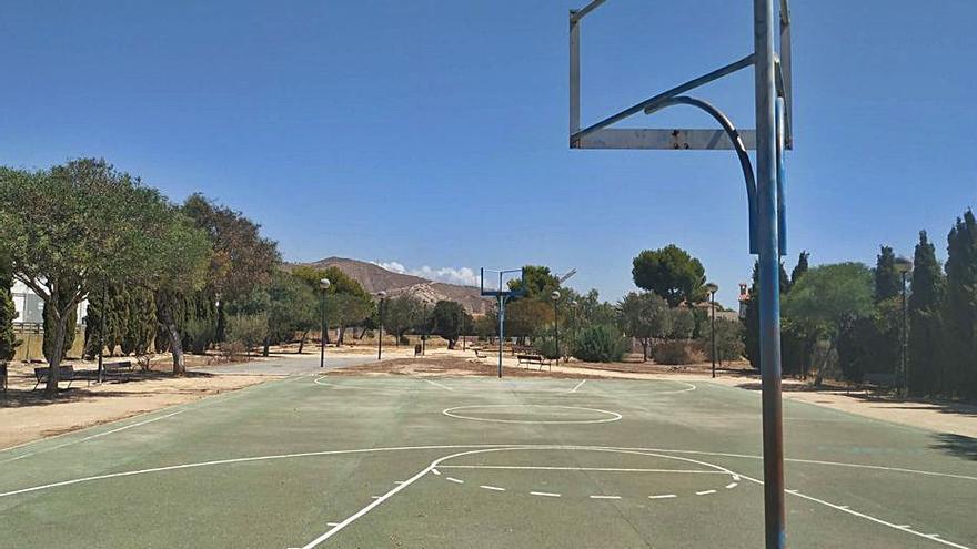 Denuncian el abandono de las instalaciones deportivas de Albayna