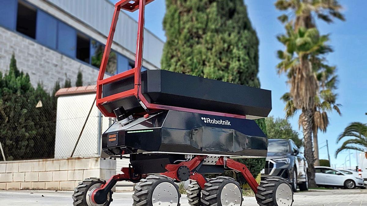 El robot de transporte de materiales de la valenciana Robotnik. | EMV