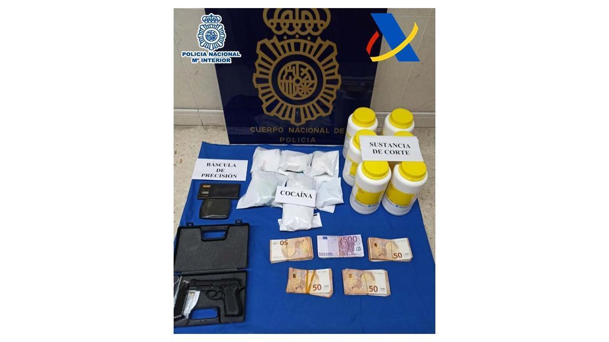 Droga y otros materiales incautados en la operación. / Policía Nacional