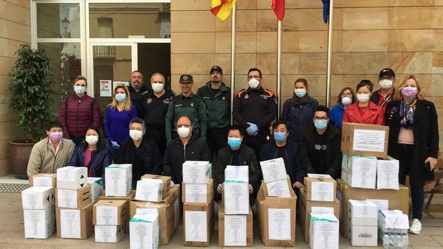 La comunidad china dona a Calp 15.000 mascarillas