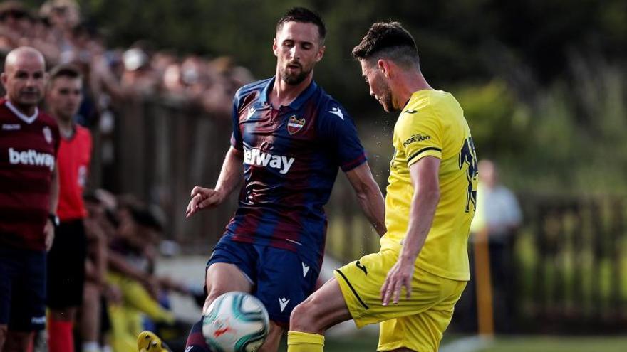 El Levante cae en su estreno con el Villarreal