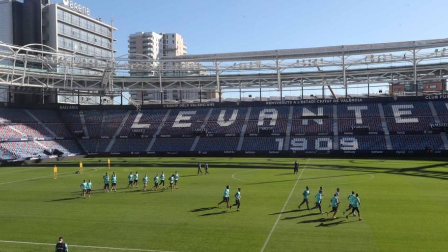 El Ciutat de València acoge su primer partido con público este domingo