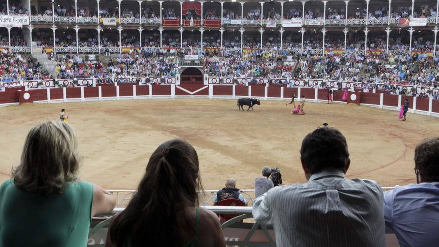 Zúñiga plantea de tres a seis festejos este año en El Bibio en función de las restricciones sanitarias