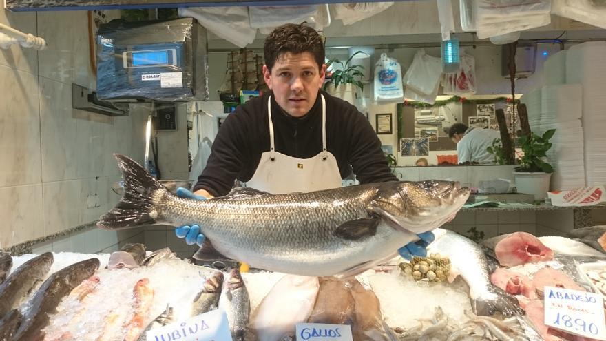 Los pescadores recreativos recurrirán la prohibición de pescar cualquier especie en torno a Peñas