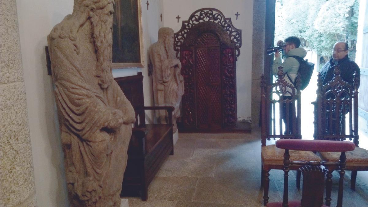 Esculturas del Mestre Mateo en la capilla del pazo de Meirás