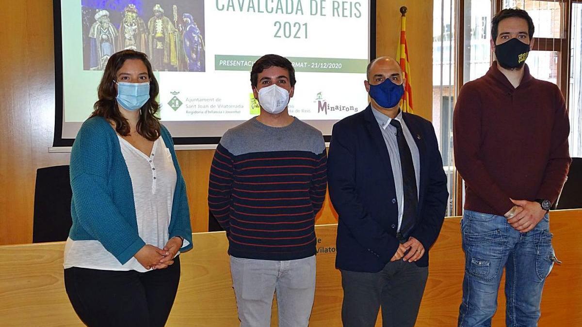 Muntsa Moncunill, Àngel Sáez, Jordi Solernou i Carles Núñez, ahir a la sala de plens