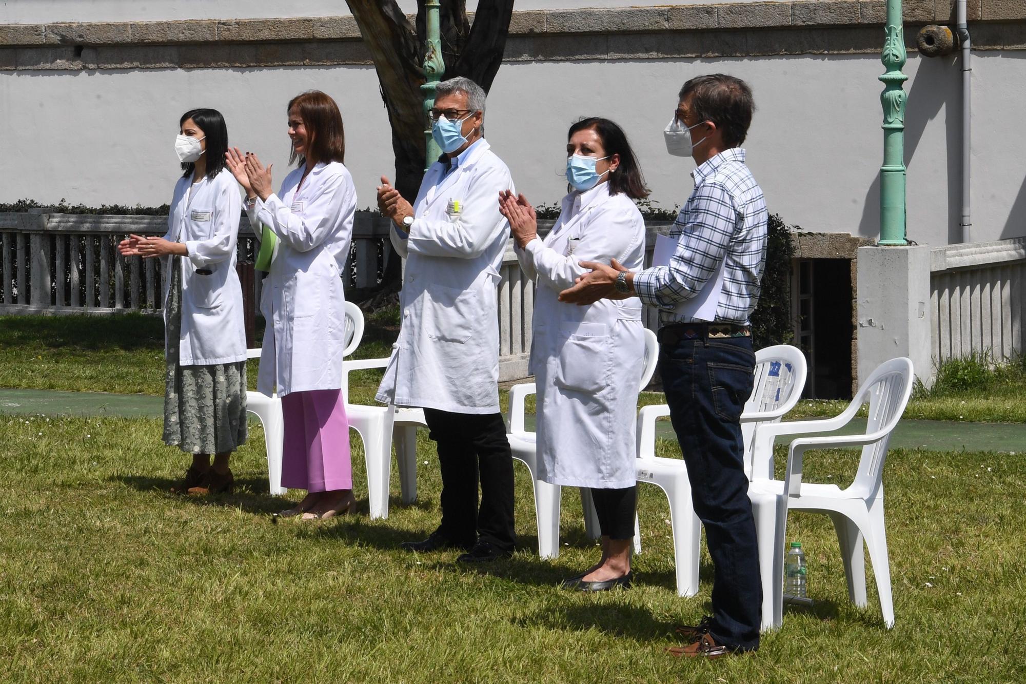 Acto de despedida de residentes del Hospital de Oza