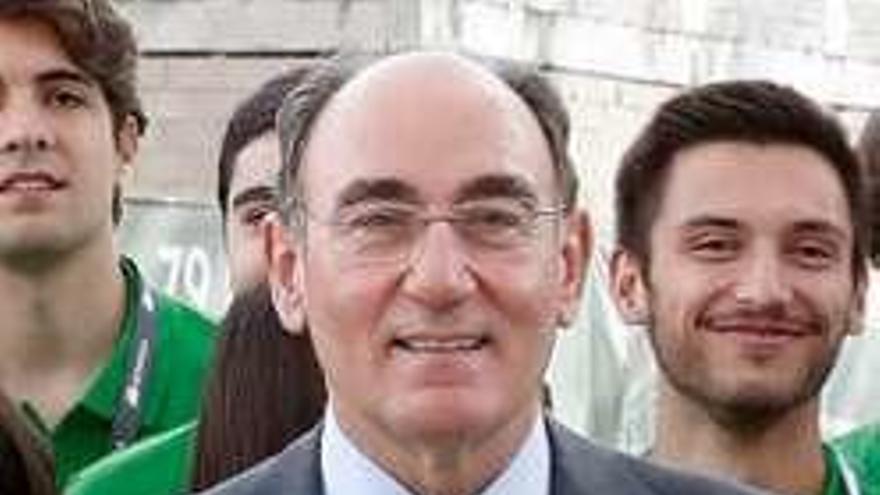 Ignacio Sánchez Galán, de Iberdrola, entre los Premios de Innovación y Diseño