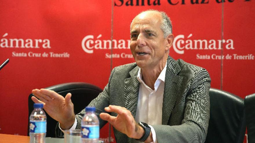 """Los empresarios exigen al Gobierno de Canarias """"acción"""" ante la desaceleración"""