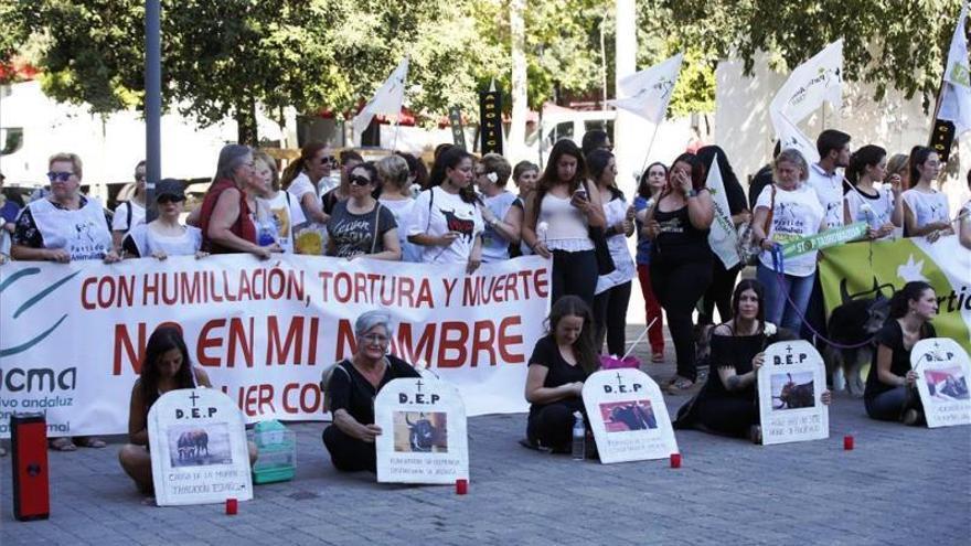 "Pacma afirma que la becerrada sitúa a Córdoba ""a la cabeza del maltrato animal"""