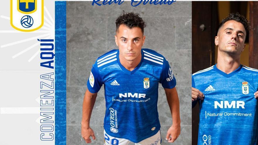 Azul con detalles blancos, la primera camiseta del Oviedo