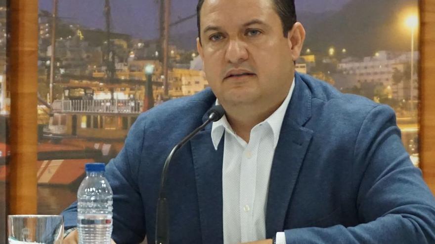 La Justicia anula la expusión del PSOE del alcalde de Arona